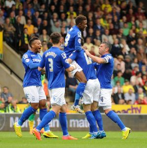 Birminghams-Callum-Reilly-celebrates-his-goal-with-the-team