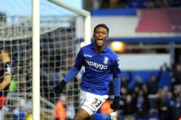 Demarai-Gray-celebrates-third-his-goal