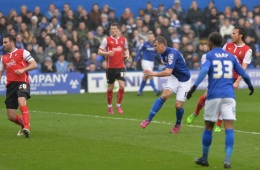 Robert-Tesche-takes-a-shot-in-the-build-up-to-Birmingham-Citys-opening-goal-against-Rotherham