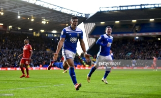 BIRMINGHAM, ENGLAND - FEBRUARY 02: Che Adams of Birmingham City celebrates after he scores a penalty during the Sky Bet Championship between Birmingham City and Nottingham Forest at St Andrew's Trillion Trophy Stadium on February 02, 2019 in Birmingham, England. (Photo by Nathan Stirk/Getty Images)